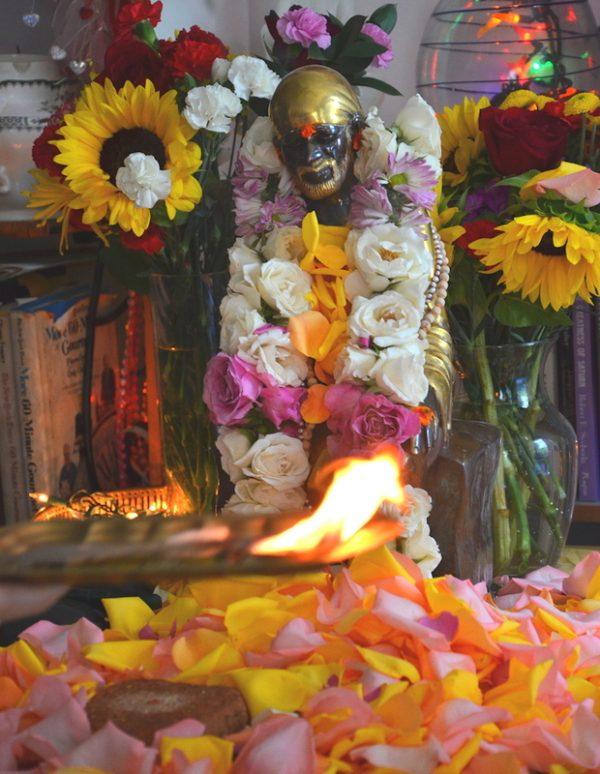 Baba Arathi statue Los Angeles UCBK church
