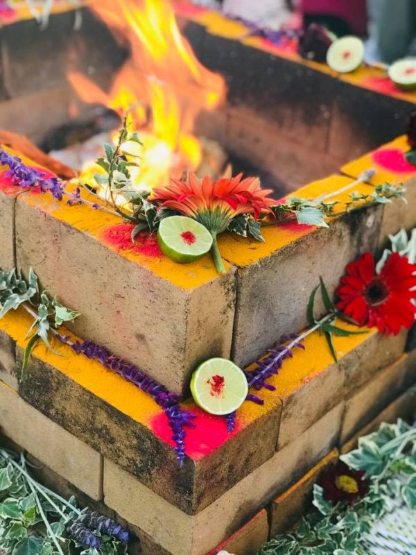 offerings of fruit and flowers at full moon and new moon homa